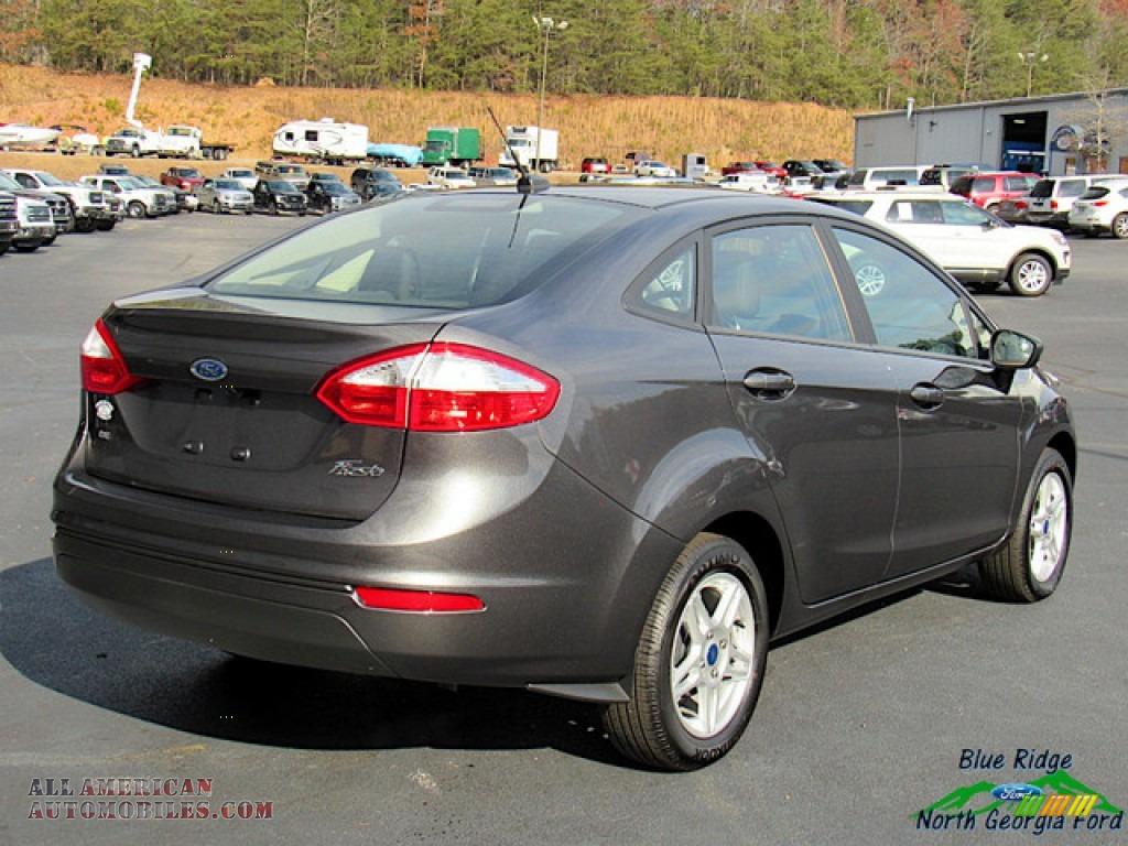 2019 Fiesta SE Sedan - Magnetic / Charcoal Black photo #5