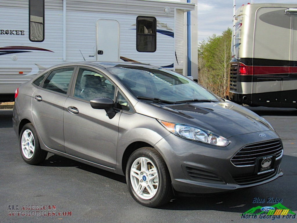2019 Fiesta SE Sedan - Magnetic / Charcoal Black photo #7