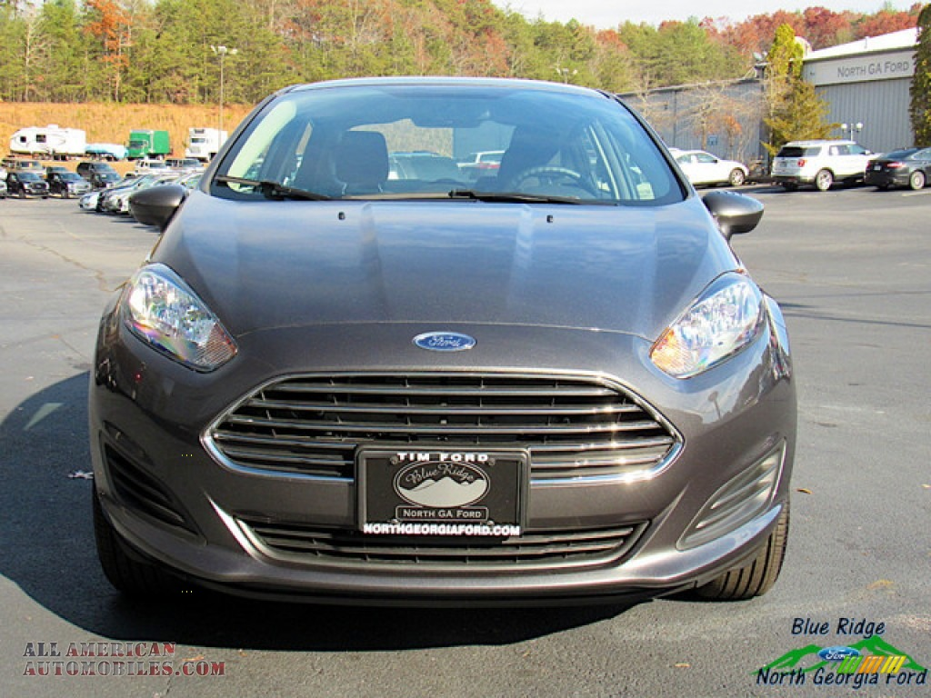 2019 Fiesta SE Sedan - Magnetic / Charcoal Black photo #8