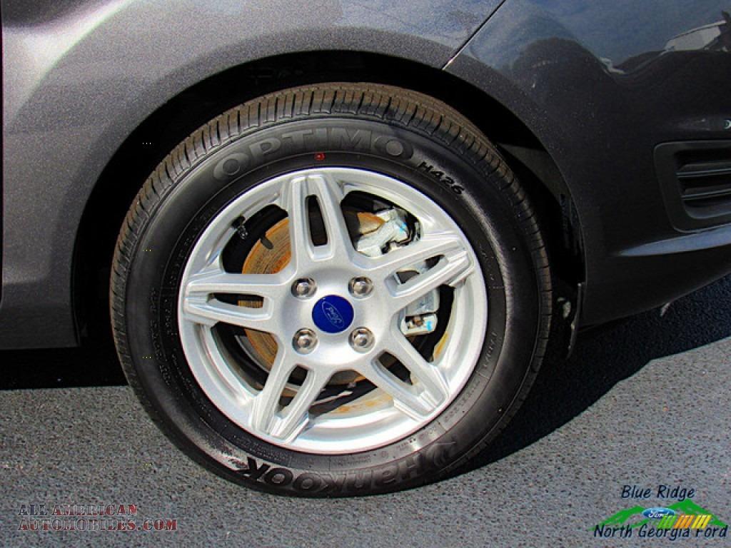 2019 Fiesta SE Sedan - Magnetic / Charcoal Black photo #9