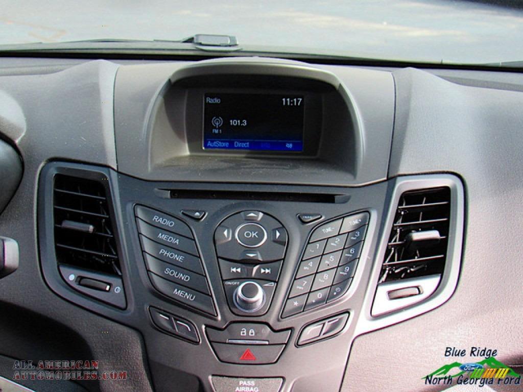 2019 Fiesta SE Sedan - Magnetic / Charcoal Black photo #18