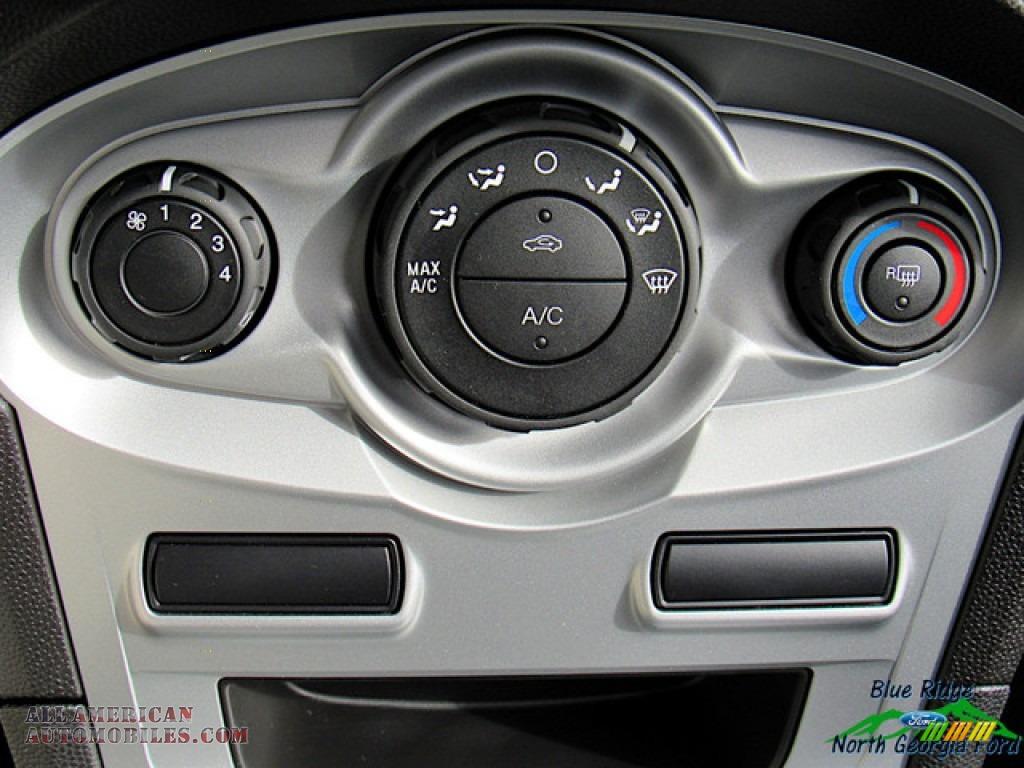 2019 Fiesta SE Sedan - Magnetic / Charcoal Black photo #21