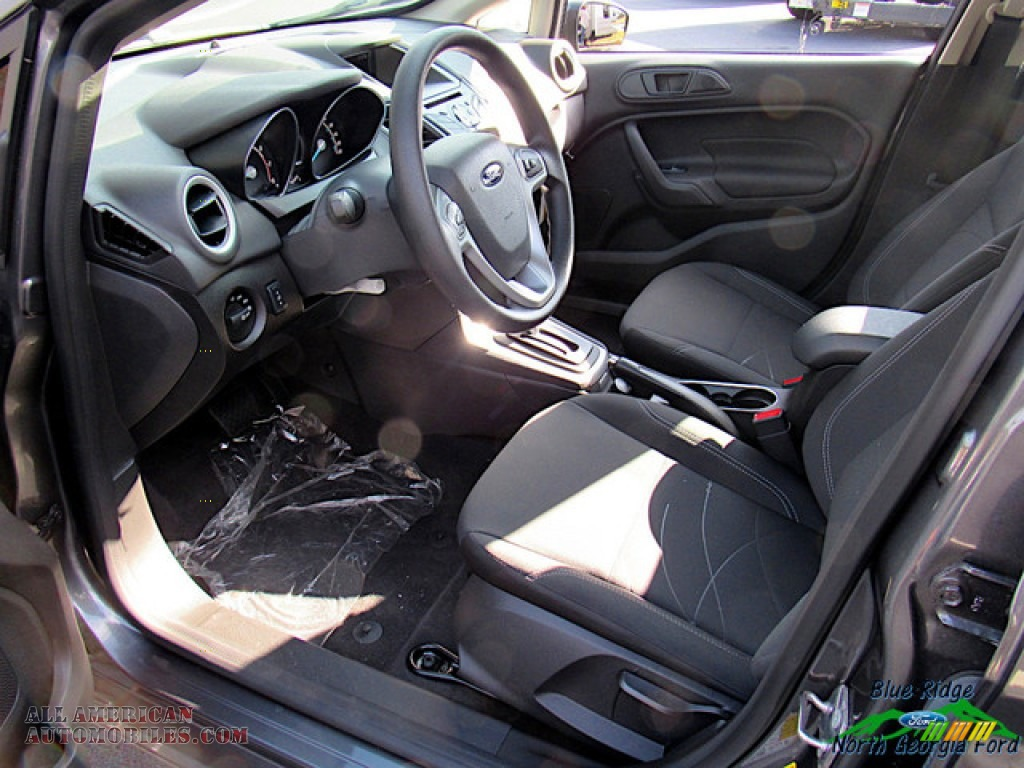 2019 Fiesta SE Sedan - Magnetic / Charcoal Black photo #25