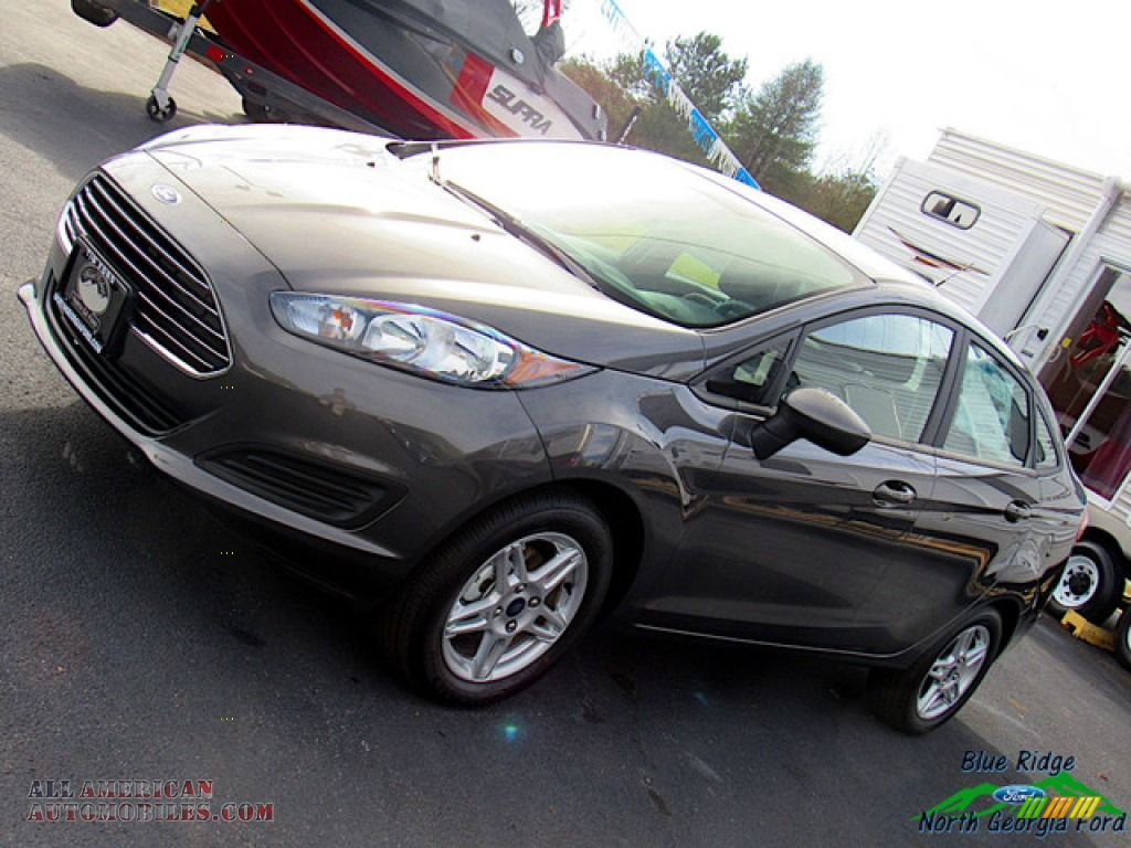 2019 Fiesta SE Sedan - Magnetic / Charcoal Black photo #28