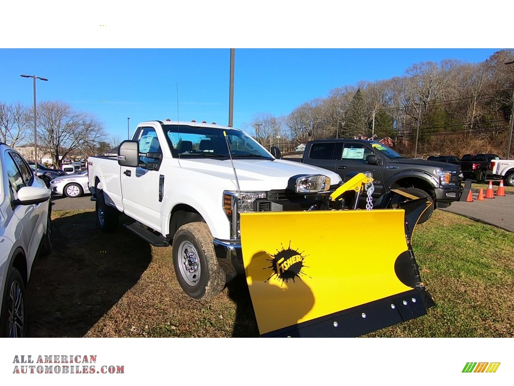2019 F250 Super Duty XL Regular Cab 4x4 Plow Truck - Oxford White / Earth Gray photo #1