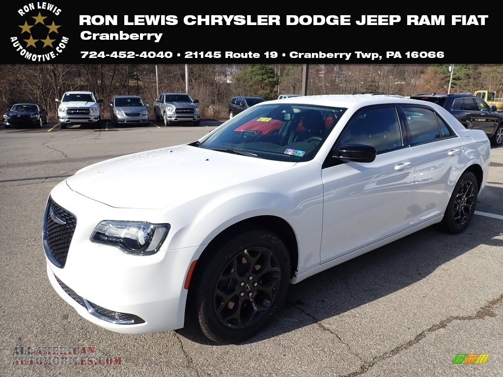 Bright White / Black Chrysler 300 Touring AWD