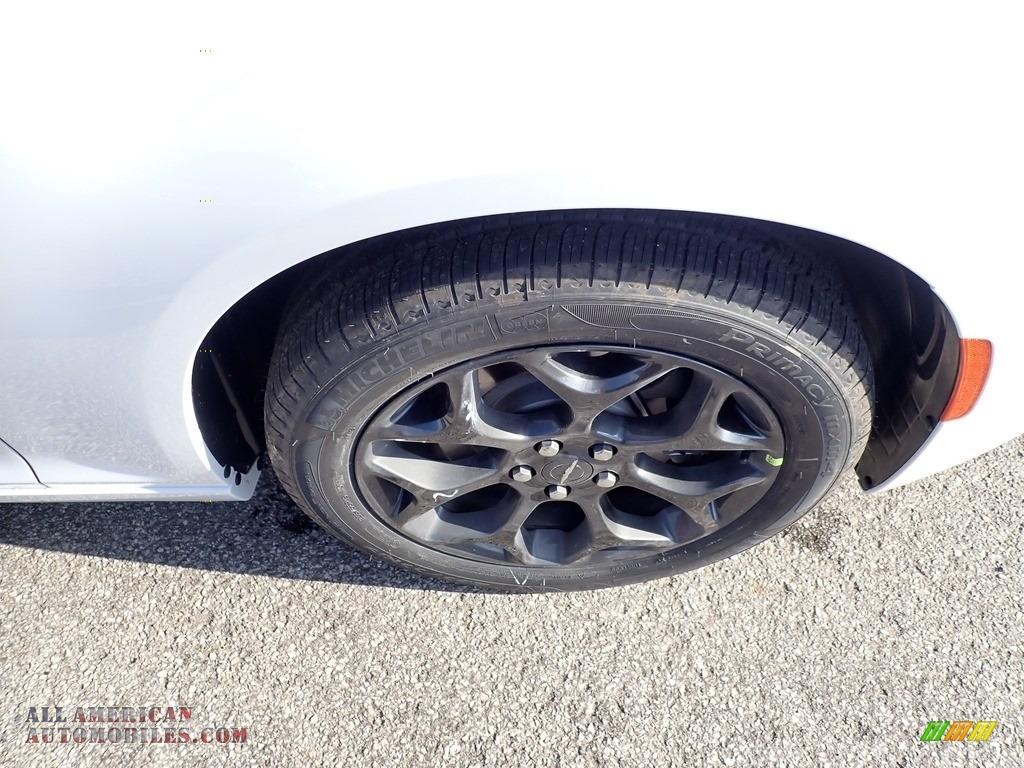 2020 300 Touring AWD - Bright White / Black photo #9