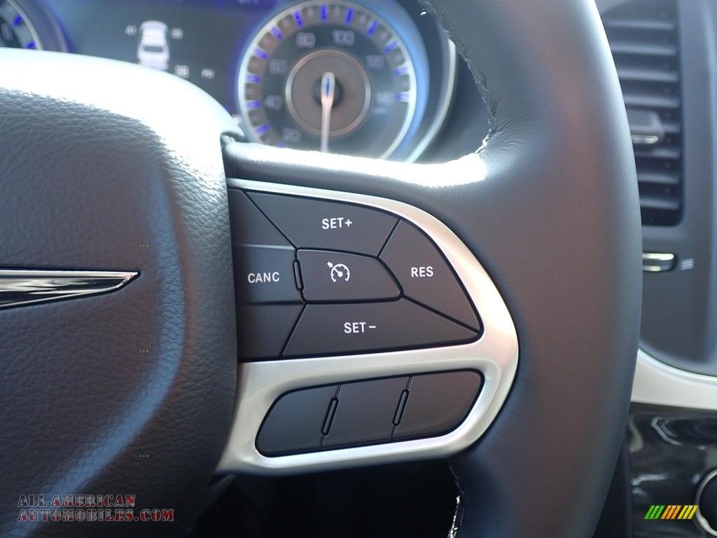 2020 300 Touring AWD - Bright White / Black photo #18