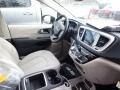 Chrysler Pacifica Touring L Plus Brilliant Black Crystal Pearl photo #11