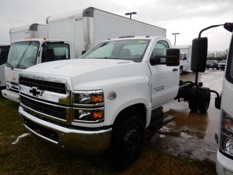Summit White 2020 Chevrolet Silverado 6500HD Regular Cab Chassis