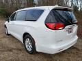 Chrysler Voyager LX Bright White photo #4