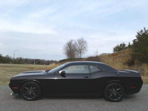 Pitch Black 2020 Dodge Challenger R/T