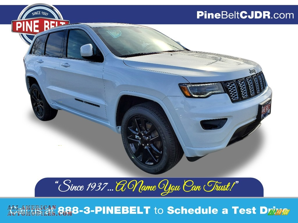 2020 Grand Cherokee Altitude 4x4 - Bright White / Black photo #1