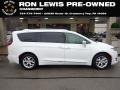 Chrysler Pacifica Limited Bright White photo #1