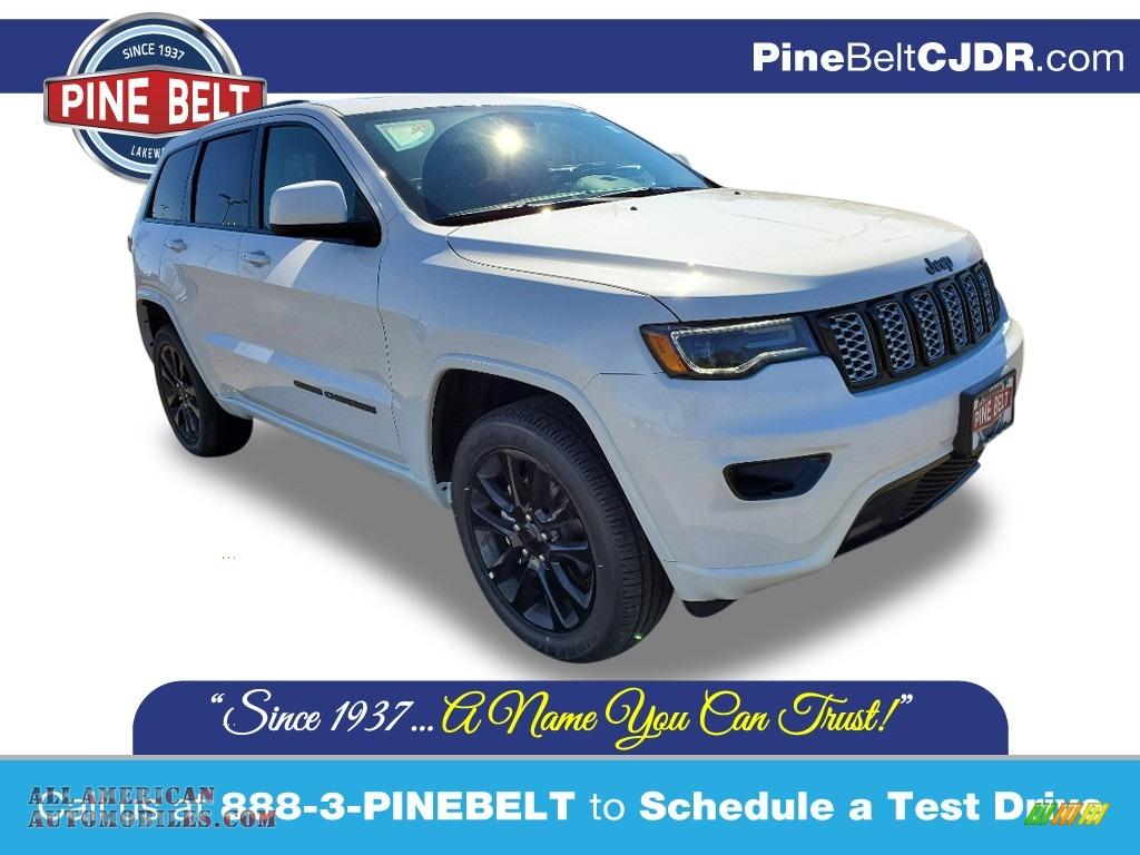 2020 Grand Cherokee Altitude 4x4 - Bright White / Black photo #1