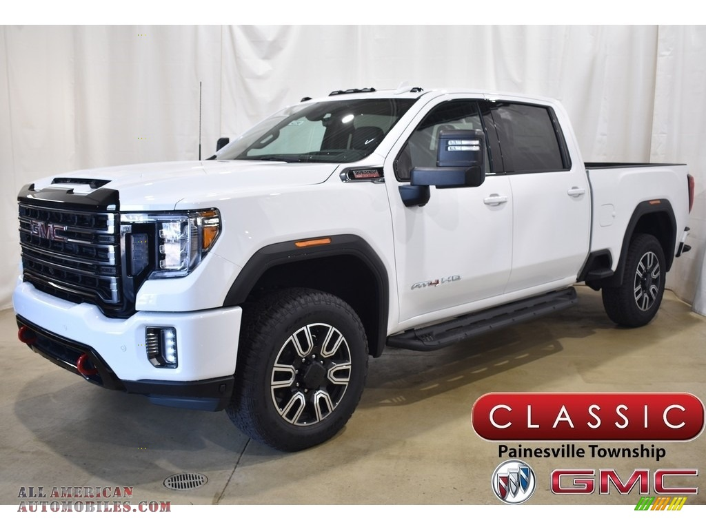 Summit White / Jet Black GMC Sierra 2500HD AT4 Crew Cab 4WD