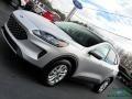 Ford Escape SE 4WD Ingot Silver Metallic photo #32