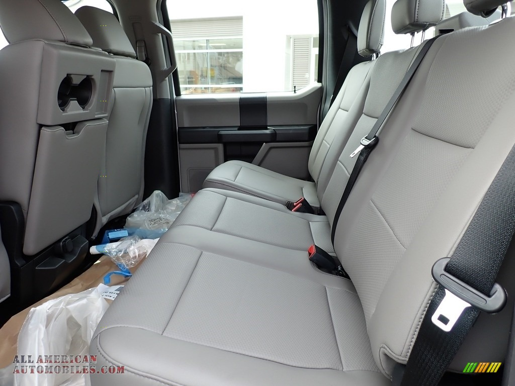 2020 F550 Super Duty XL Crew Cab 4x4 Chassis - Oxford White / Earth Gray photo #10