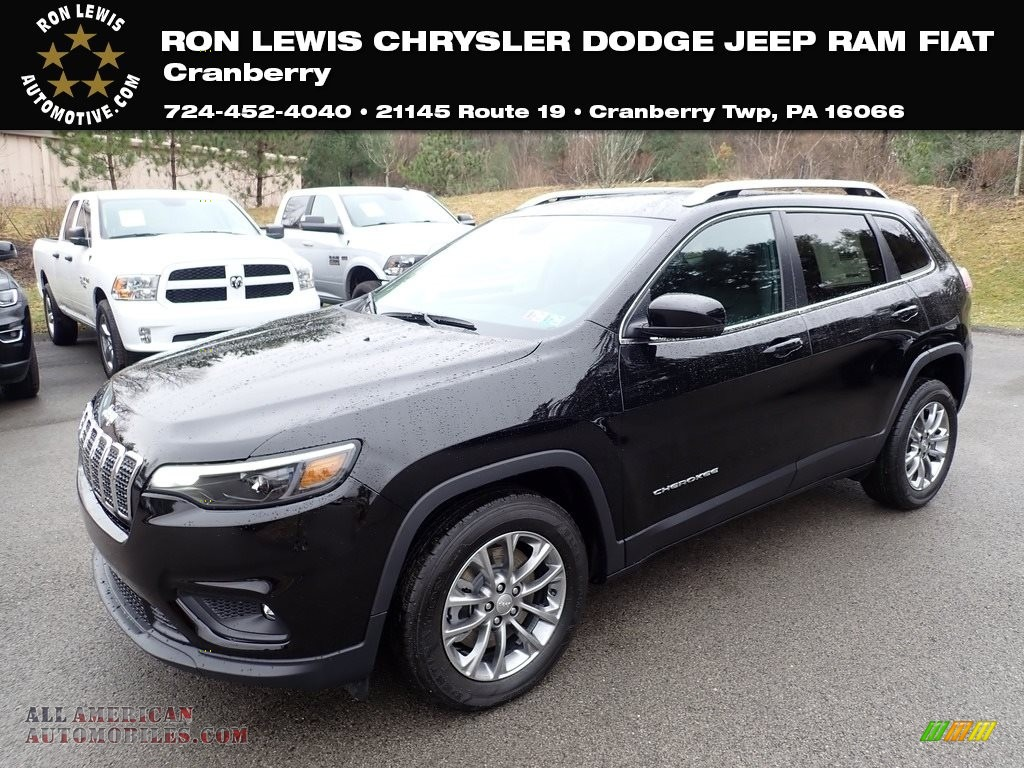 2020 Cherokee Latitude Plus - Diamond Black Crystal Pearl / Black photo #1