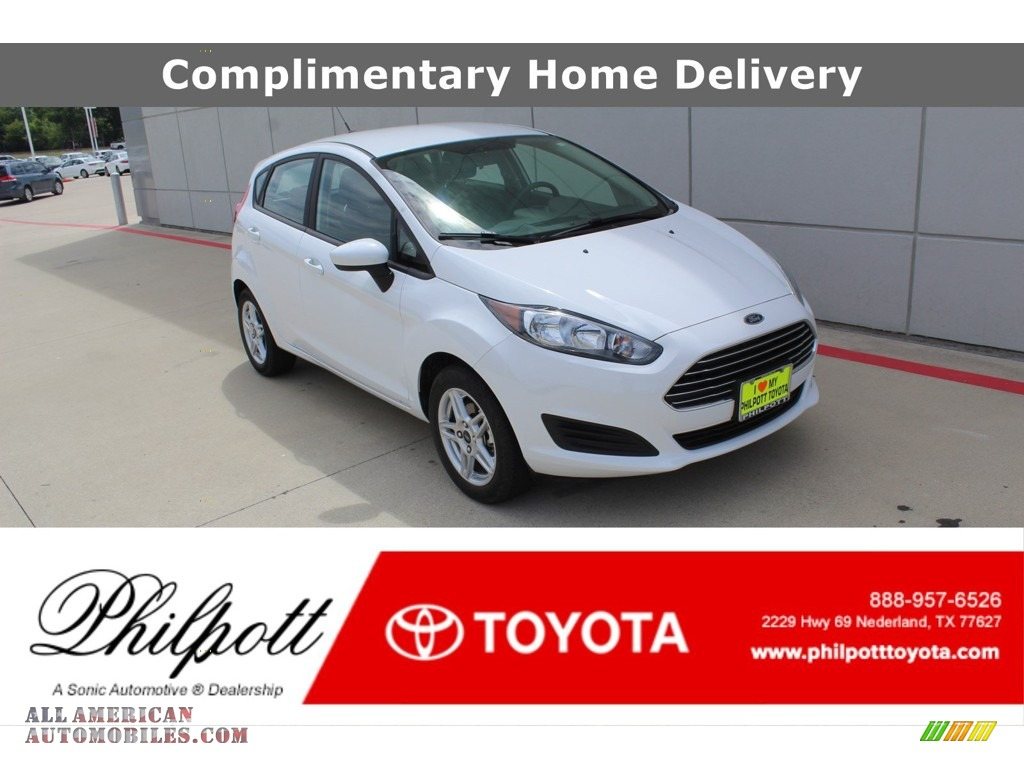2019 Fiesta SE Hatchback - Oxford White / Charcoal Black photo #1