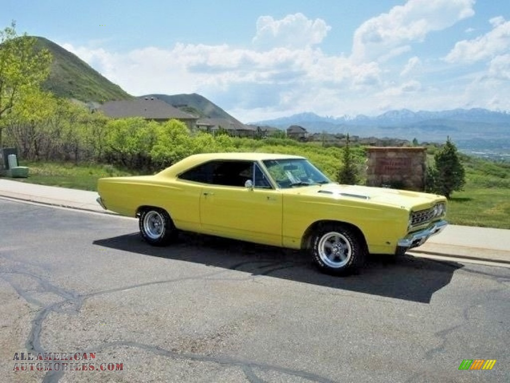 1968 Roadrunner Coupe - Yellow / Black photo #1