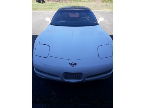 Arctic White 1998 Chevrolet Corvette Coupe