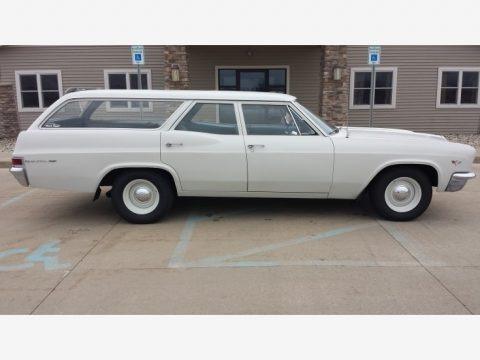 White 1966 Chevrolet Impala Station Wagon