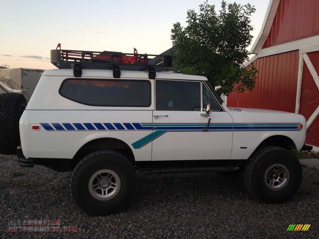 1980 Scout II 4x4 - White / Gray/Black photo #1