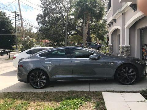 Grey Metallic 2013 Tesla Model S 85