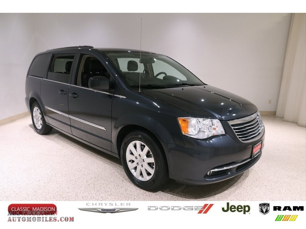 Maximum Steel Metallic / Black/Light Graystone Chrysler Town & Country Touring