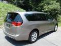 Chrysler Pacifica Touring L Molten Silver photo #6