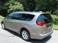Chrysler Pacifica Touring L Molten Silver photo #8