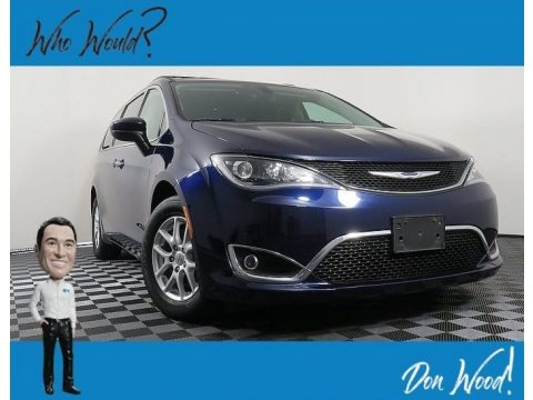Jazz Blue Pearl 2017 Chrysler Pacifica Touring L