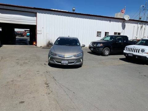 Pepperdust Metallic 2017 Chevrolet Volt LT