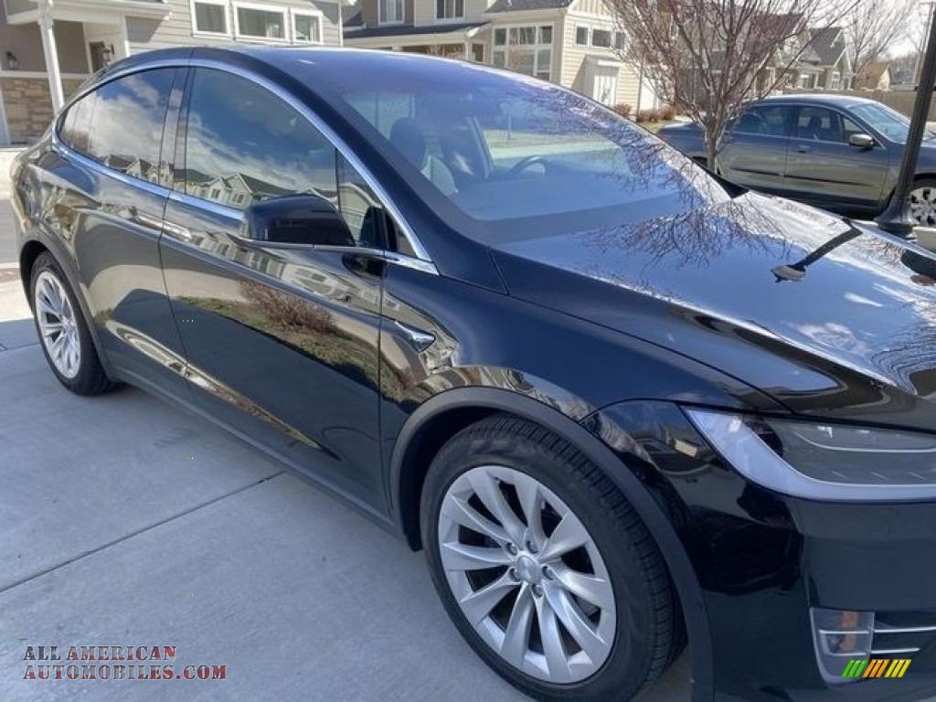 2018 Model X 75D - Solid Black / Black photo #3