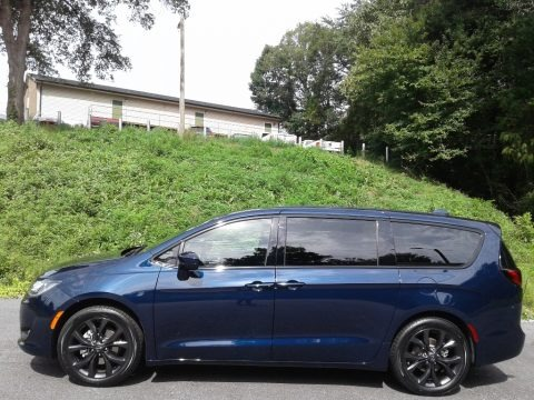 Jazz Blue Pearl 2020 Chrysler Pacifica Touring