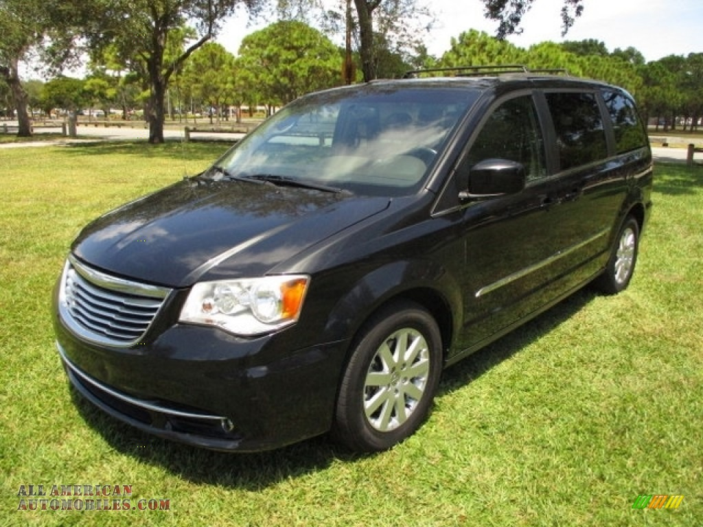 2014 Town & Country Touring - Brilliant Black Crystal Pearl / Dark Frost Beige/Medium Frost Beige photo #1