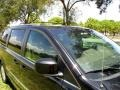 Chrysler Town & Country Touring Brilliant Black Crystal Pearl photo #23