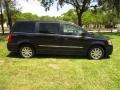 Chrysler Town & Country Touring Brilliant Black Crystal Pearl photo #26