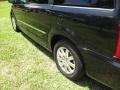 Chrysler Town & Country Touring Brilliant Black Crystal Pearl photo #35