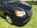 Chrysler Town & Country Touring Brilliant Black Crystal Pearl photo #51