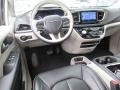 Chrysler Pacifica Limited Brilliant Black Crystal Pearl photo #14