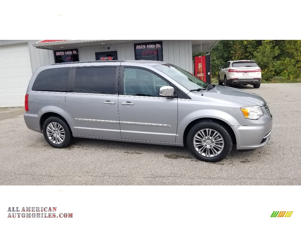 2013 Town & Country Touring - L - Billet Silver Metallic / Black/Light Graystone photo #1