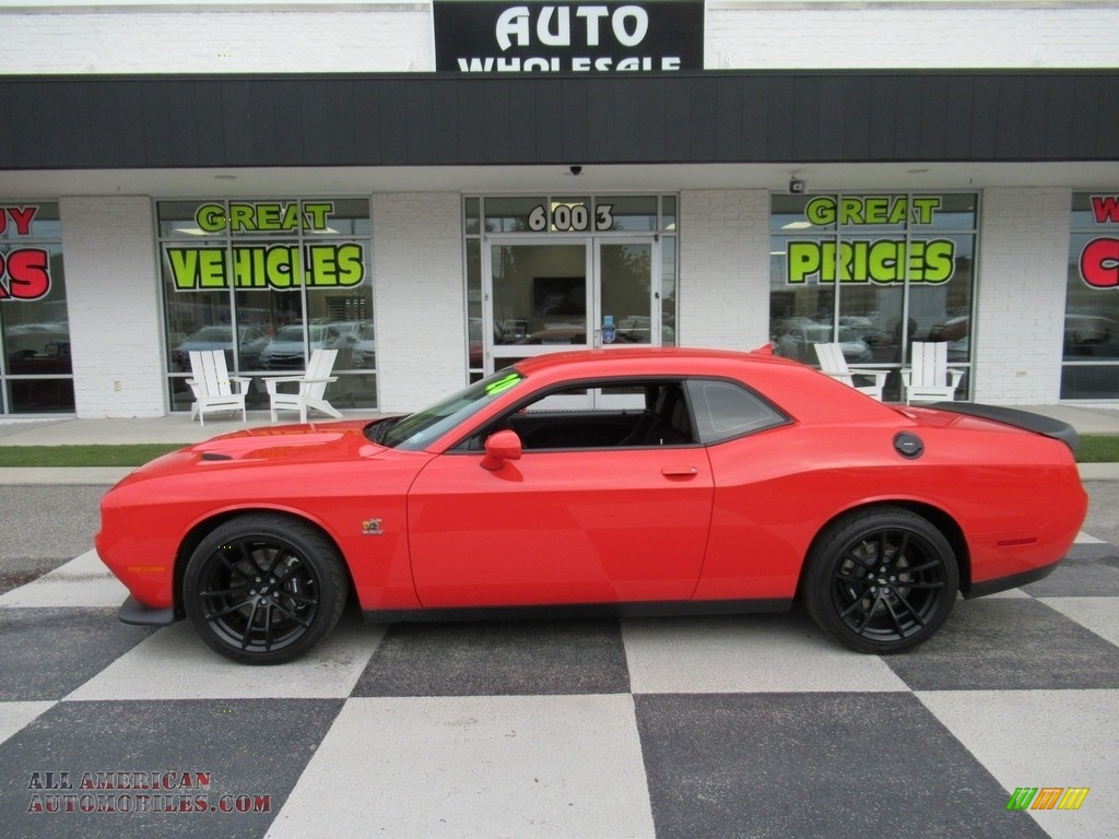 2020 Challenger R/T Scat Pack - Go Mango / Black photo #1