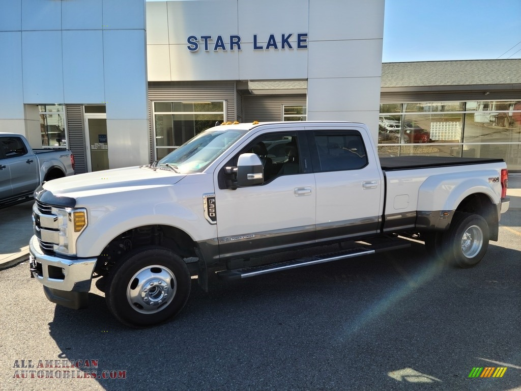 2019 F350 Super Duty Lariat Crew Cab 4x4 - White Platinum / Black photo #1