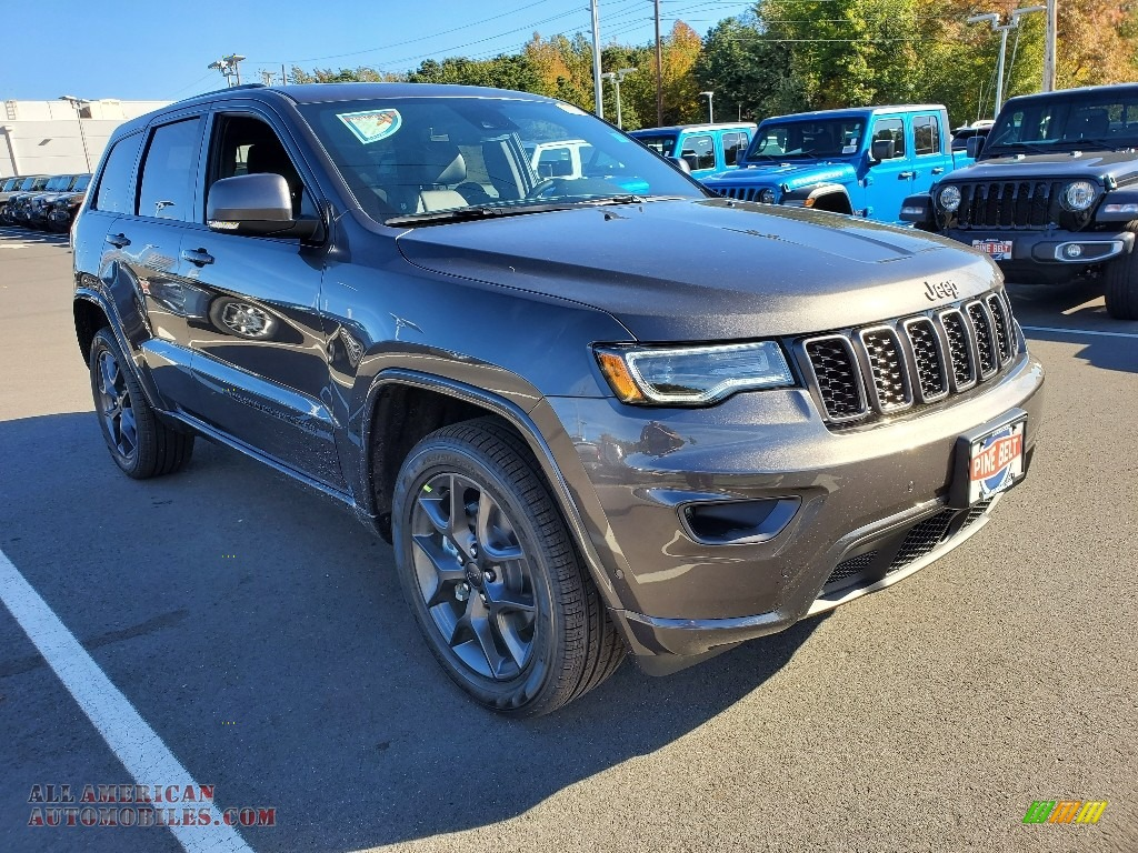 Granite Crystal Metallic / Black Jeep Grand Cherokee Limited 4x4