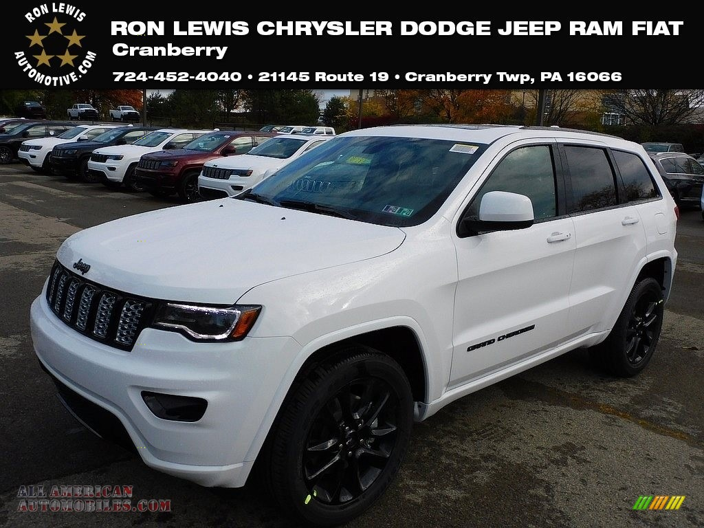 2021 Grand Cherokee Laredo 4x4 - Bright White / Black photo #1