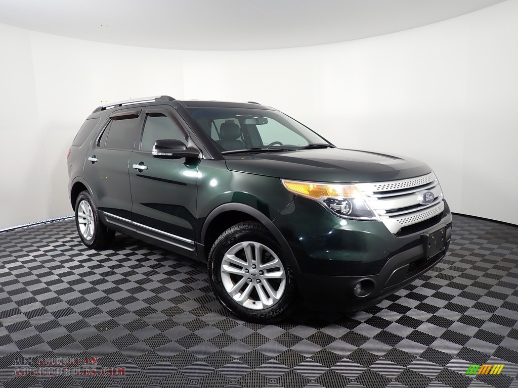 2013 Explorer XLT 4WD - Green Gem Metallic / Charcoal Black photo #3