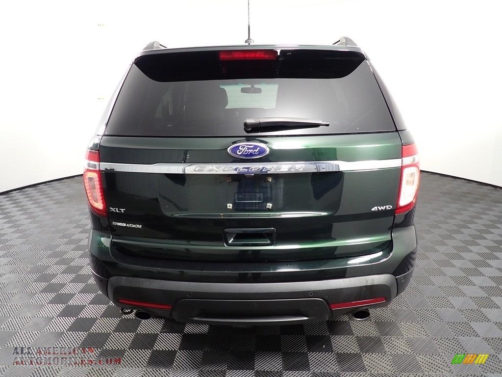 2013 Explorer XLT 4WD - Green Gem Metallic / Charcoal Black photo #12