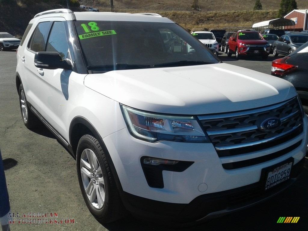 2018 Explorer XLT 4WD - Oxford White / Ebony Black photo #1